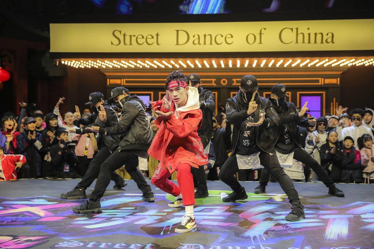 易烊千玺街舞