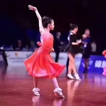 艺朝艺夕少儿拉丁舞