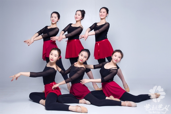 中国舞老师.jpg
