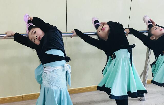 艺朝艺夕舞蹈培训.jpeg
