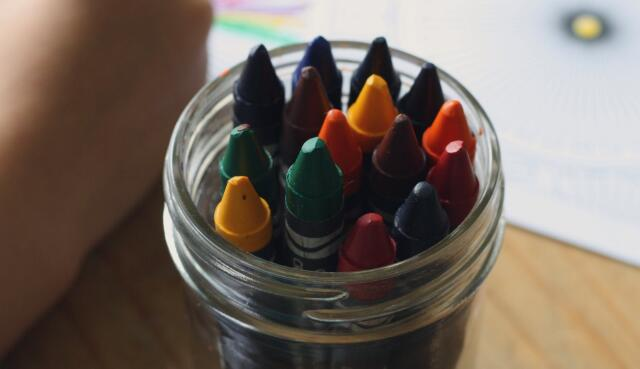 孩子学画画.jpeg