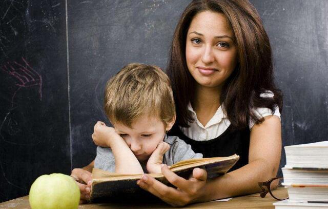 家长指导孩子学英语.jpeg