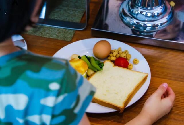 营养丰富的早餐.jpeg