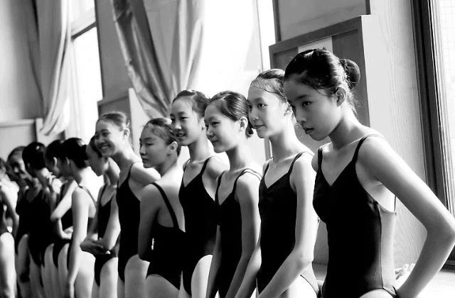哪些学舞蹈的孩子们.jpeg