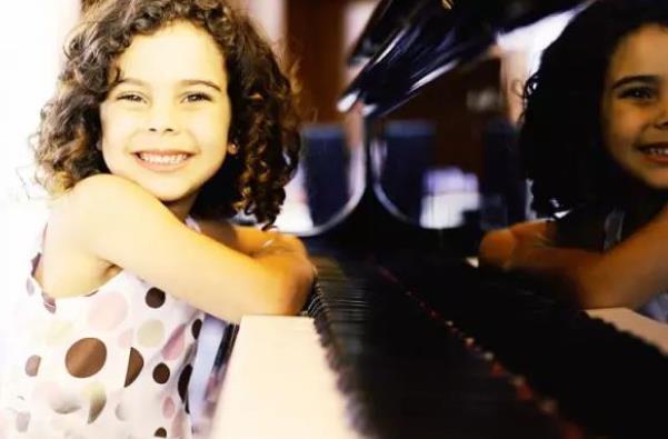 少儿钢琴培训班.jpeg