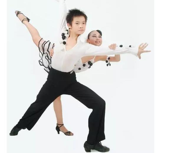 少儿拉丁舞培训.jpeg