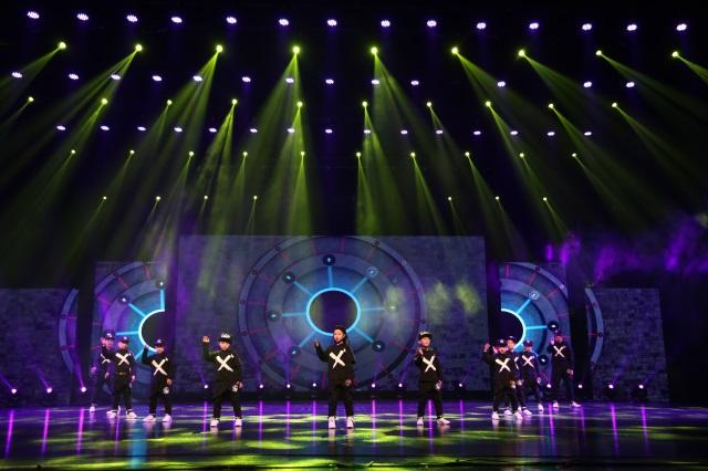 艺朝艺夕街舞学员登台演出.jpeg