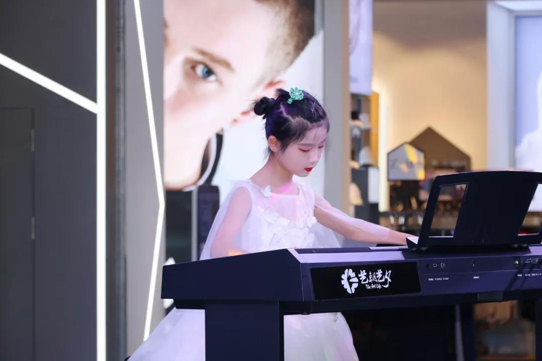 女孩学钢琴的好处.jpeg
