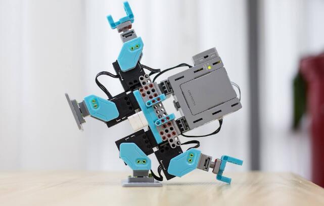 少儿机器人编程.jpeg