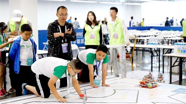 克乐思学员参加2019世界机器人大会.jpeg