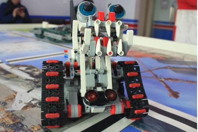 合肥乐高机器人课程.jpeg