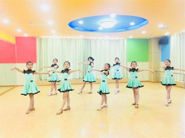杭州少兒拉丁舞一年學費多少錢