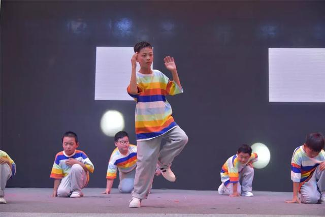 街舞培训班孩子