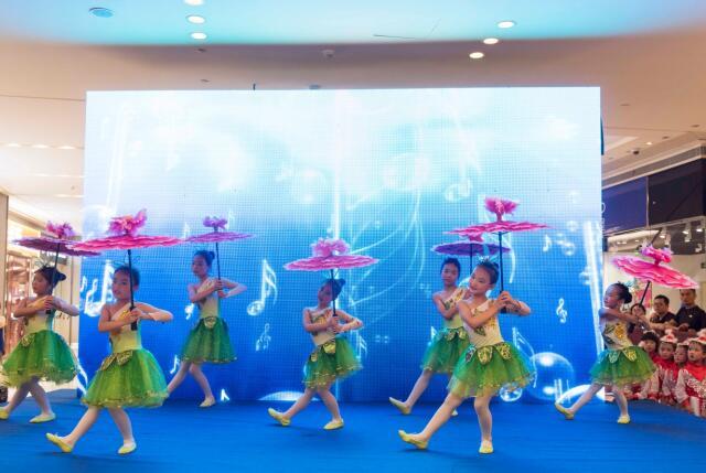 艺朝艺夕舞蹈学员登台演出