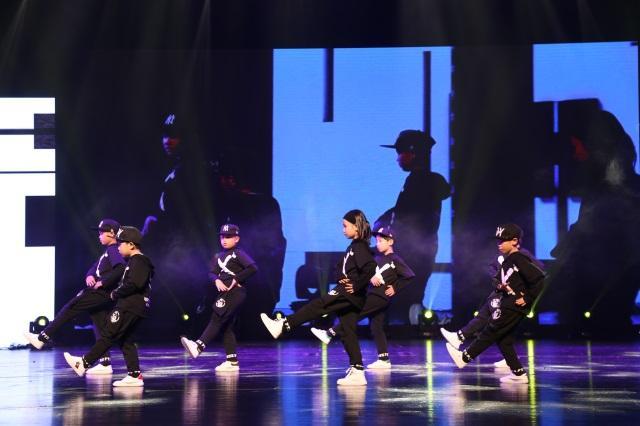 艺朝艺夕街舞学员表演