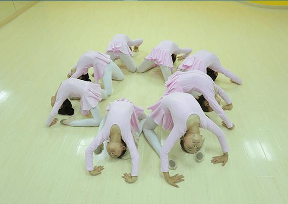 艺朝艺夕中国舞学员